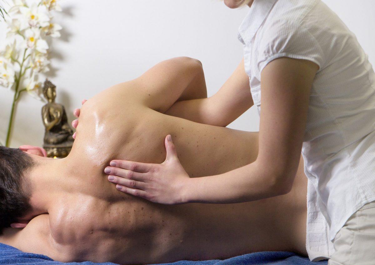 massage-2768833_1920-1200x848.jpg